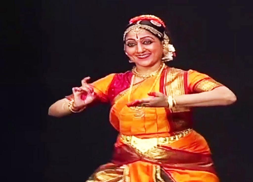 Bharata Kala Ratna Awardee Priya Murle & Students